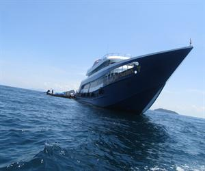 Phi Phi Island Tour By Royal Jet Cruiser 9