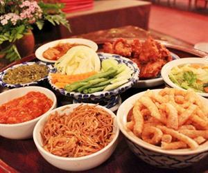 Khantoke Dinner Khum Khantoke