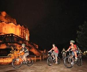 Chiang Mai Night Cycle Ride