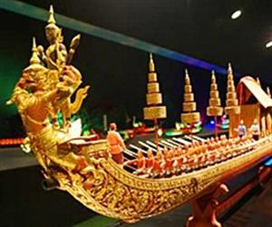 Miniature Thai Royal Barge Performance Center | Pattaya