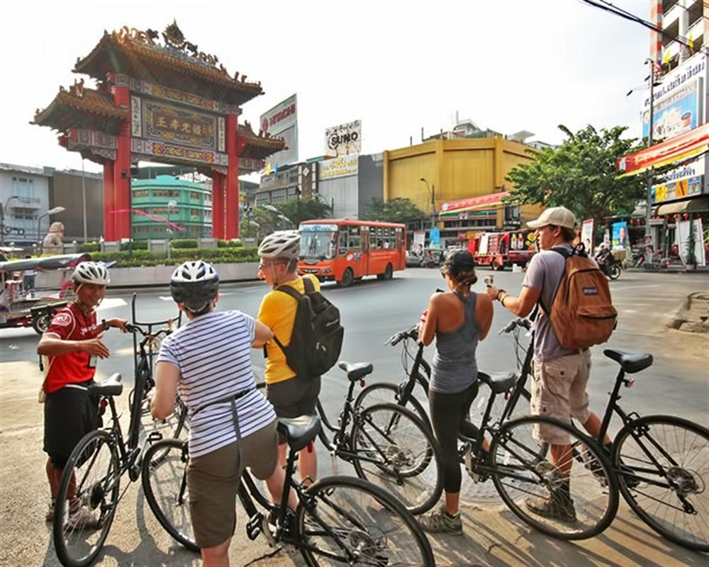 Chinatown & Thonburi Cycling Tour