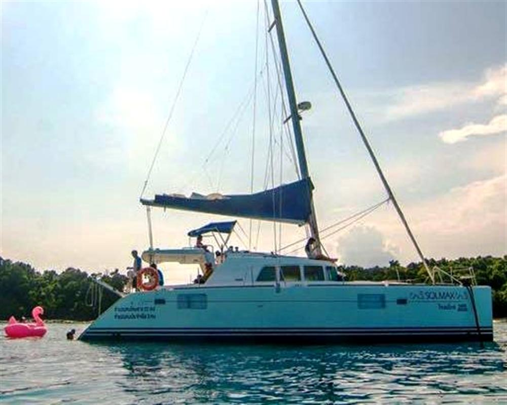 Baba Hideaway by Sailing Catamaran Morning Tour