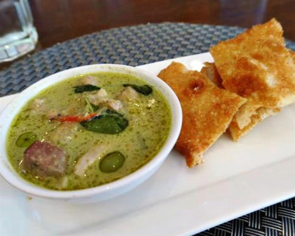 Historic Bangrak Food Tasting and Culture Tour