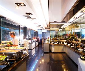 International Buffet and Seafood at Baiyoke Suite Hotel